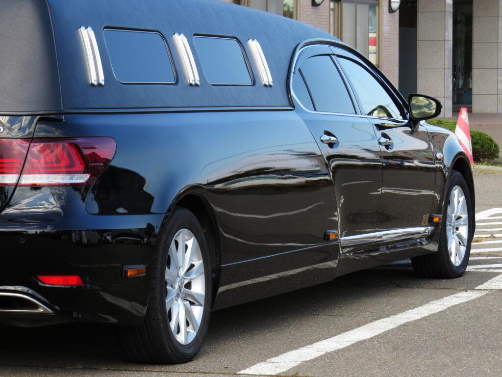 火葬場に向かう車の席次とは?正しいマナーを分かりやすく解説