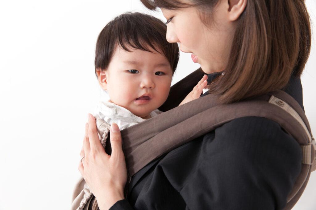 赤ちゃんは葬儀に参列できる?葬儀会場へ連れていく場合の葬儀マナー