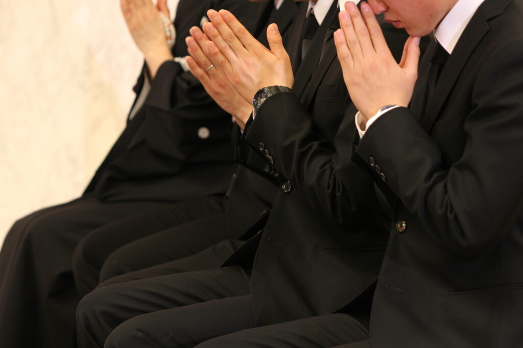 コロナ禍で神式の家族葬は行えるの?どのような流れで行うのか?