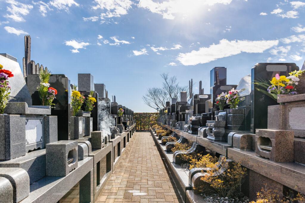 お墓の構造で大切な「カロート」とは?誰でも分かるように徹底解説!