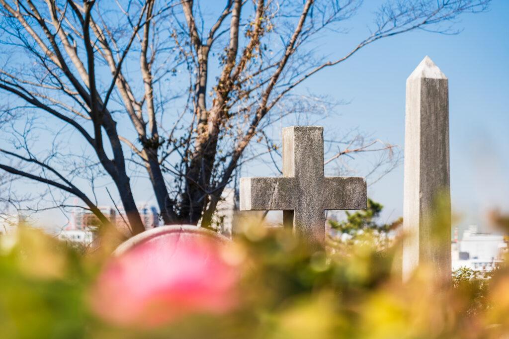 キリスト教の墓参りの流れとは?日本の墓参りとの違いまで徹底解説