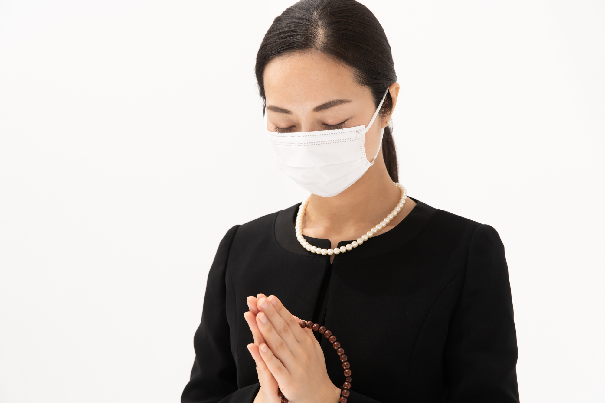 コロナ禍での葬儀、服装マナーはどうすればいい?敬意を表すことが大切