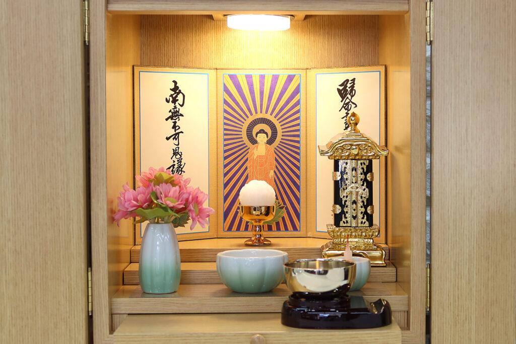 宗派別のお仏壇に飾るご本尊・両脇侍の選び方&飾る理由