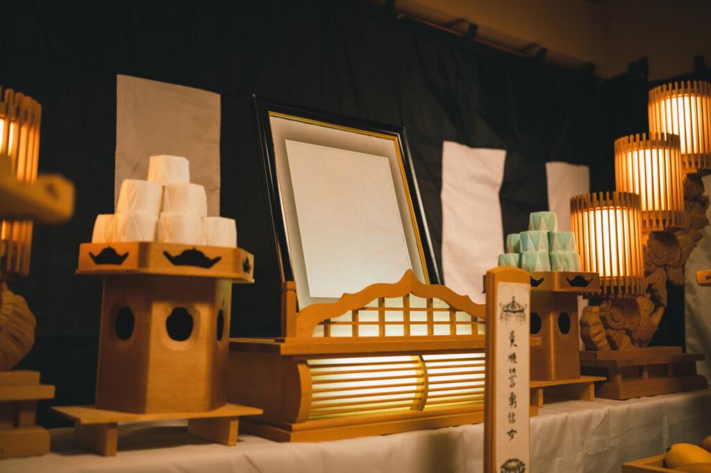【宗派別に解説】後飾り祭壇の飾り方を分かりやすく解説!